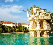 Taking-the-plunge-Coco-Beach-Belize-Wedding-Jose-Luis-Zapata-Medium