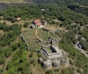 Ruins_of_Dmanisi_Castle-1024x779